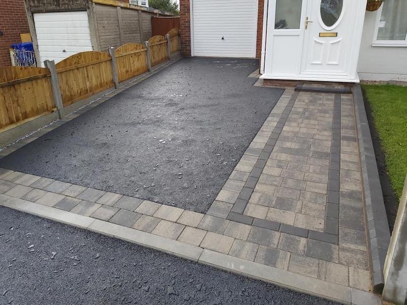 tarmac and block paving driveway